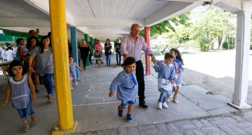 Ensenada: El intendente Secco inauguró aulas en el Jardín de Infantes de la Isla Santiago