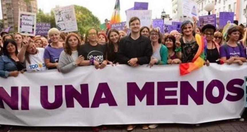 Morón: Lucas Ghi participó en la marcha contra la violencia de género