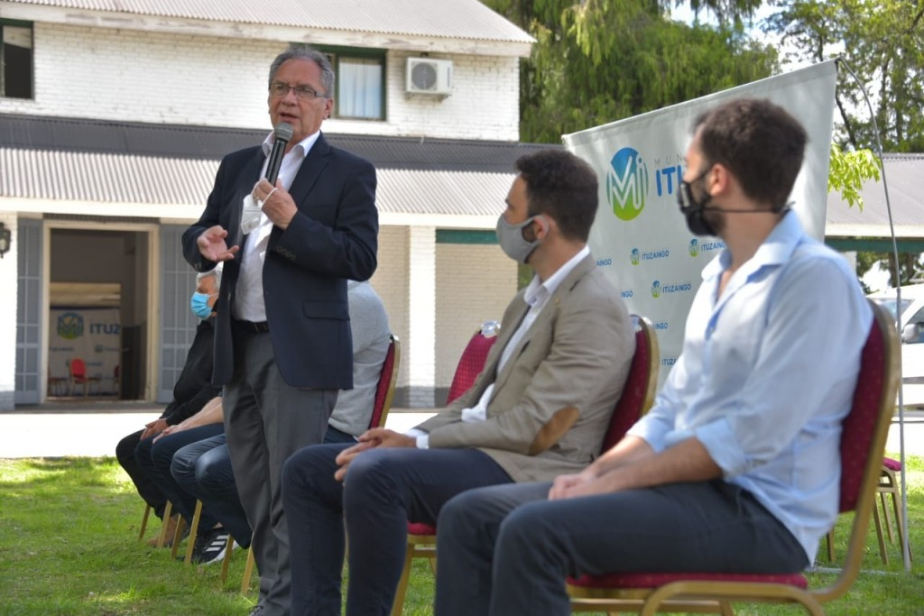 Ituzaingó: El ministro de Hacienda Pablo López y Alberto Descalzo encabezaron reunión con trabajadores del Censo