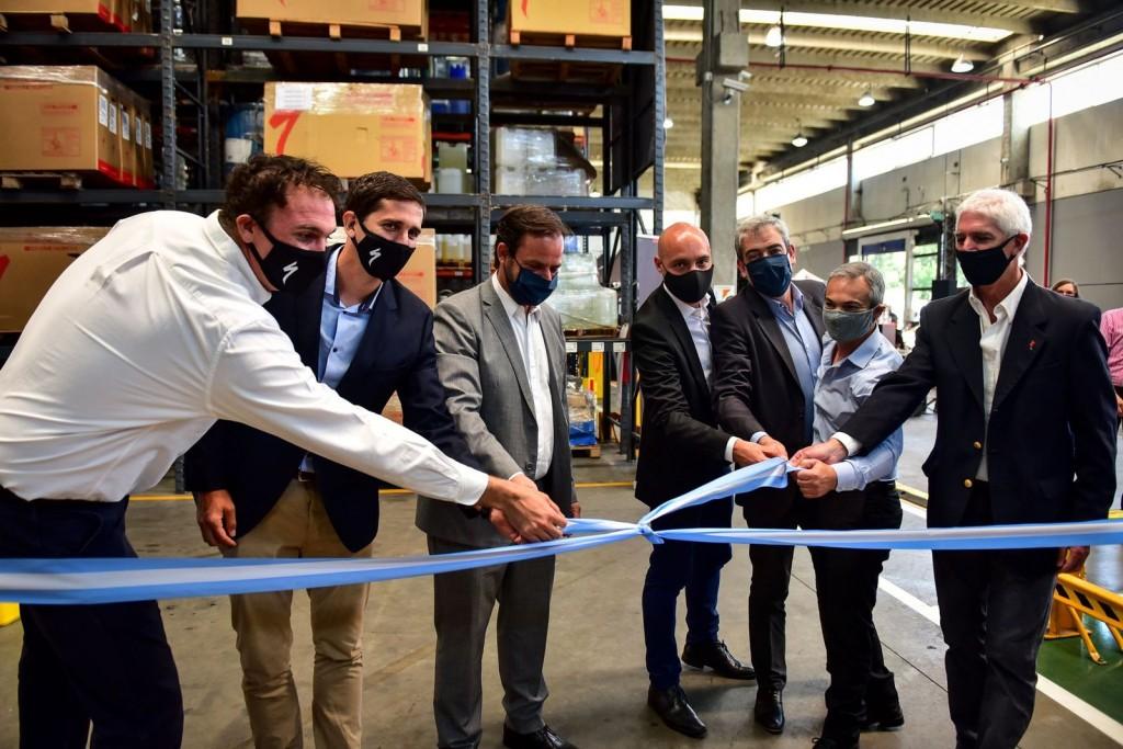 Escobar: Ariel Sujarchuk participó de la inauguración de una planta de ensamble de bicicletas de alta gama