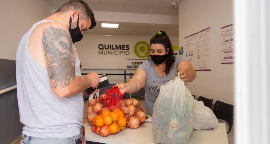 """Quilmes: Se realizó la 8ª entrega de los Combos de productos alimenticios de """"Comprá en Red"""""""
