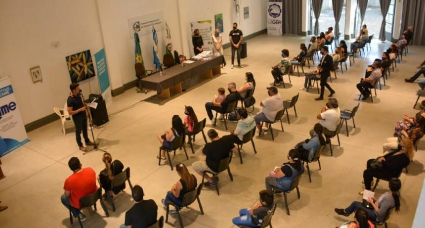 Gral. Rodríguez: Casi 100 familias firmaron su título de propiedad