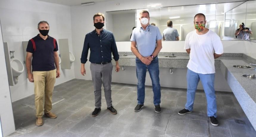 Luján: El Intendente inauguró los nuevos baños de la Terminal