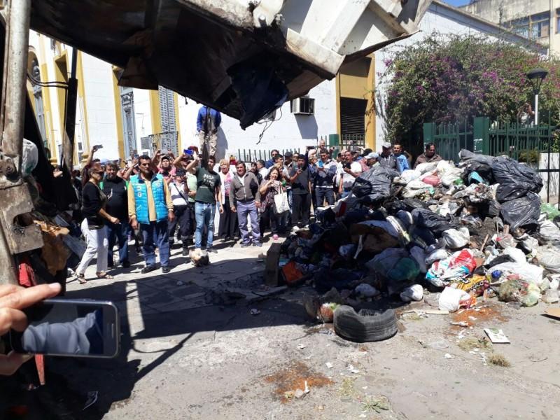 Moreno: Se agravó el conflicto de trabajadores municipales, iniciaron un paro activo