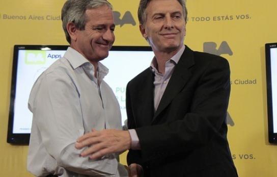 """Ajuste de Macri: Gastarán $750 mil en un """"deck"""" para la terraza del Ministro de Modernización"""