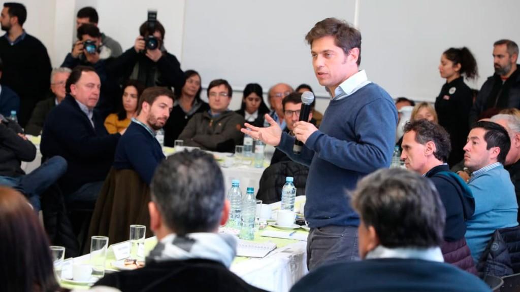 Kicillof se reúne con intendentes bonaerenses del peronismo