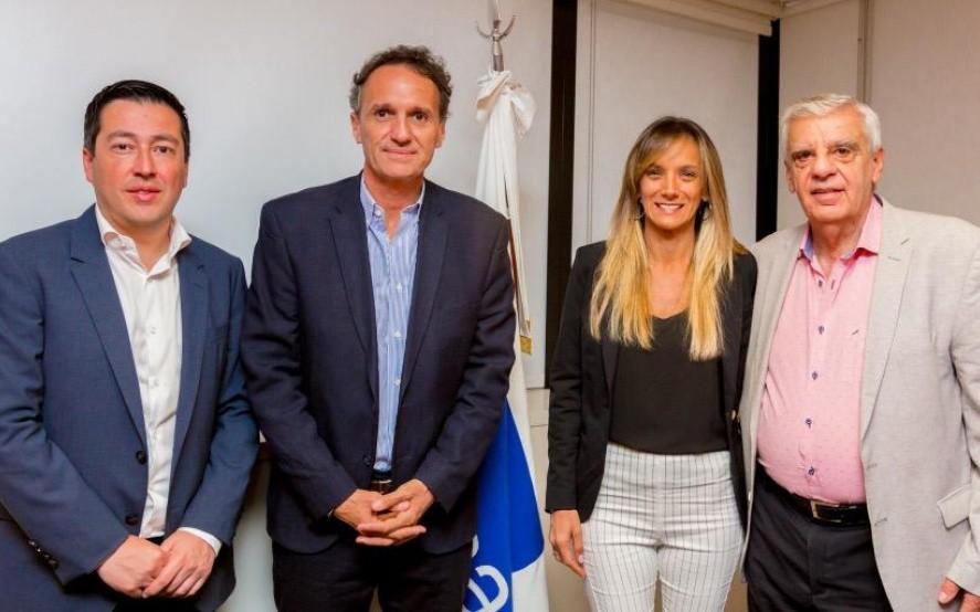 Malena Galmarini asumió al frente de AySA y Leo Nardini es el vicepresidente