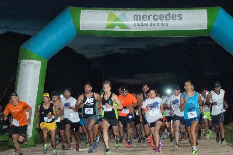 """Mercedes: La nueva edición de la """"Carrera Nocturna"""", convocó a más de 130 atletas"""