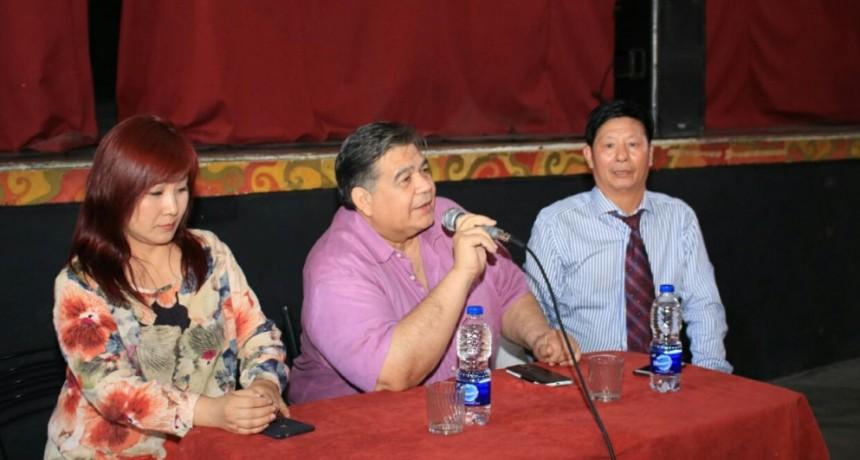 José C. Paz: El intendente Mario Ishii se reunió con supermercadistas orientales
