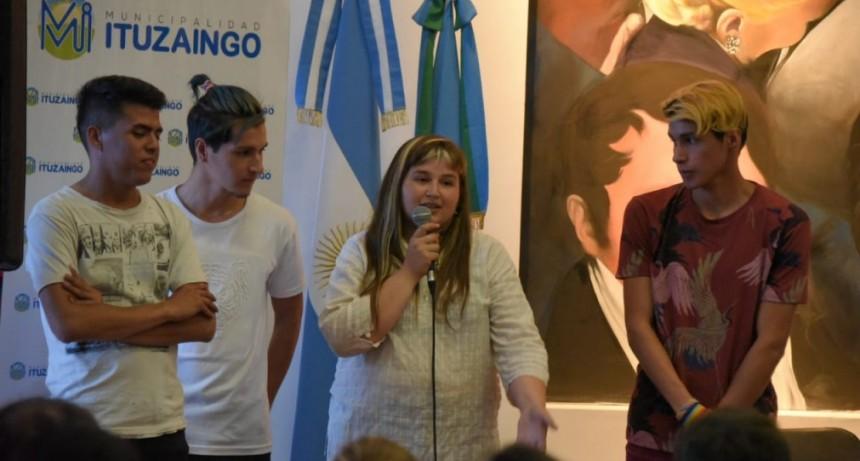 """Ituzaingo: Jóvenes del Programa Envión expusieron los trabajos """"Jóvenes y Memoria 2019"""""""
