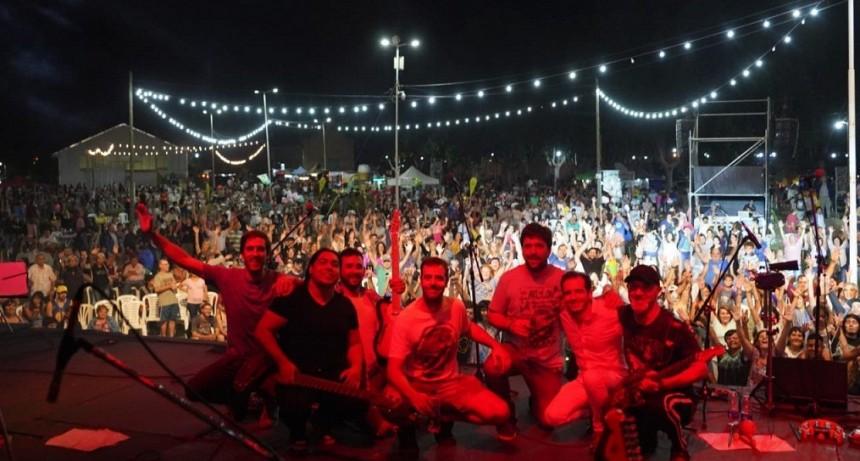 Mercedes: Gran marco de público en las tres jornadas de la 43° Fiesta Nacional del Durazno