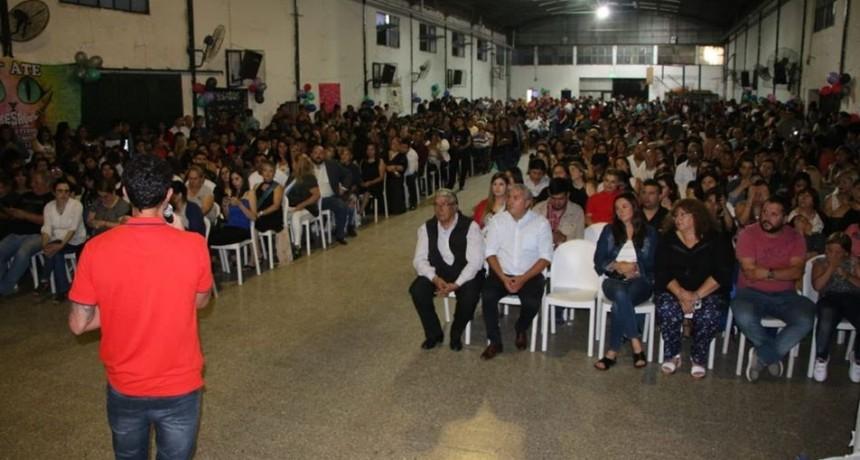 Gral. Rodríguez: Mauro García encabezó la entrega de diplomas a alumnos del Plan FinEs