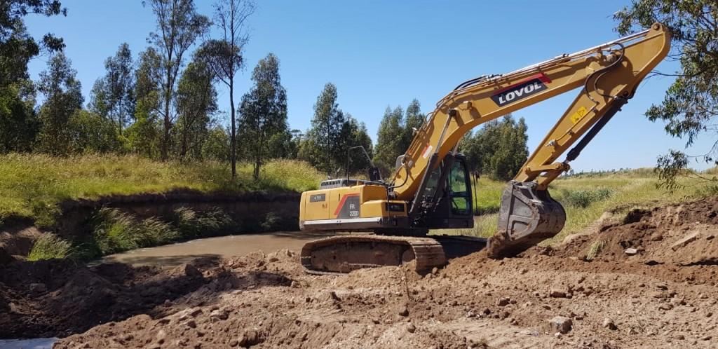 Lobería: Construcción del Puente del Monte González