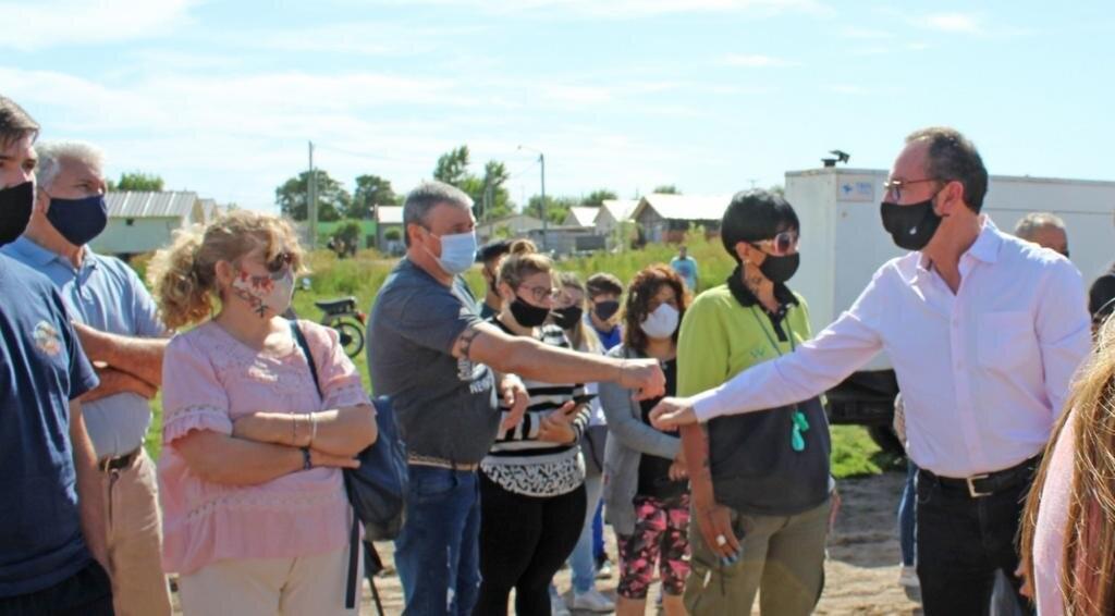 Carlos Casares: Ésta mañana el municipio entregó 47 terrenos a nuevas familias