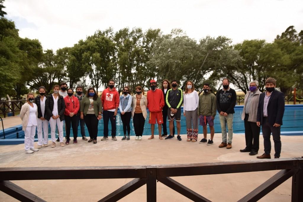 Lobería: Apertura de natatorios municipales
