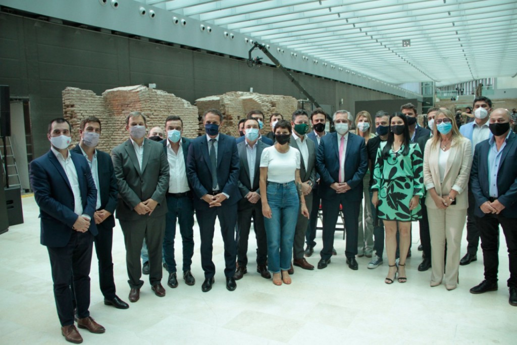 Cáffaro participó de la inauguración de 30 obras públicas en 12 provincias junto a Alberto Fernández y el ministro Katopodis