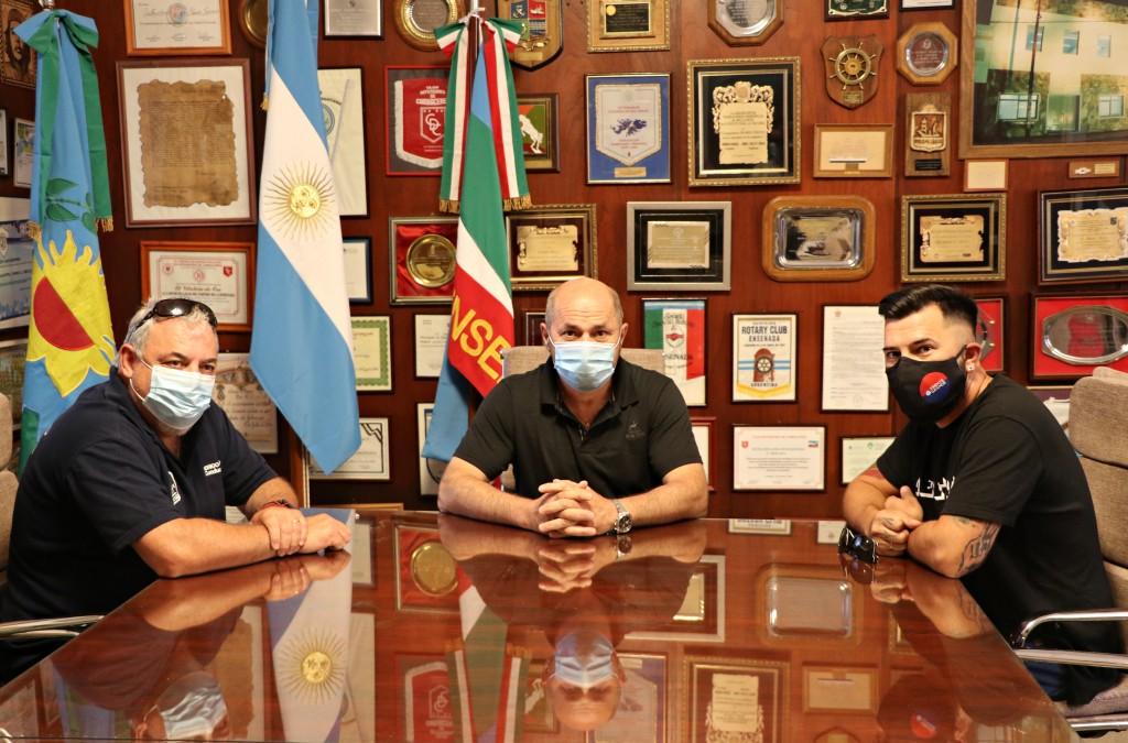 Ensenada: Mario Secco anunció bono navideño para los trabajadores Municipales
