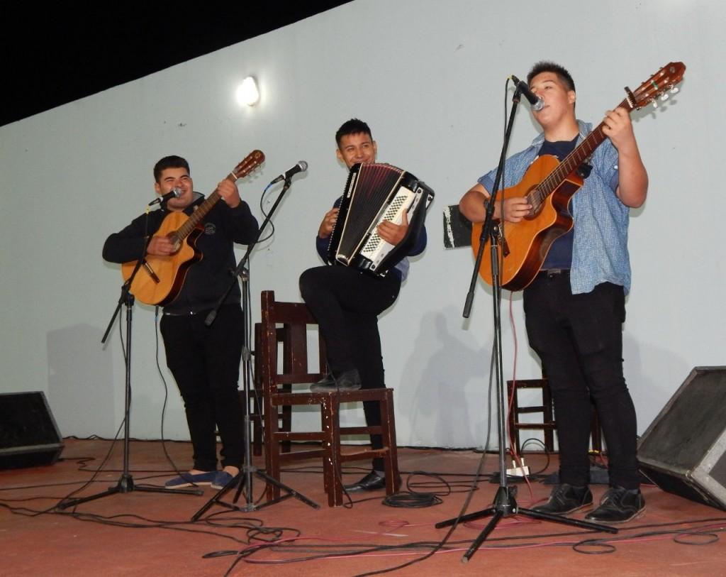 Pte. Perón: Homenaje a artistas chamameceros
