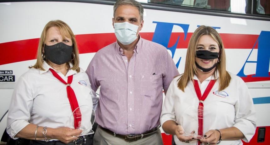 Colón: El subsecretario de Transporte reconoció a dos mujeres conductoras de la empresa El Acuerdo
