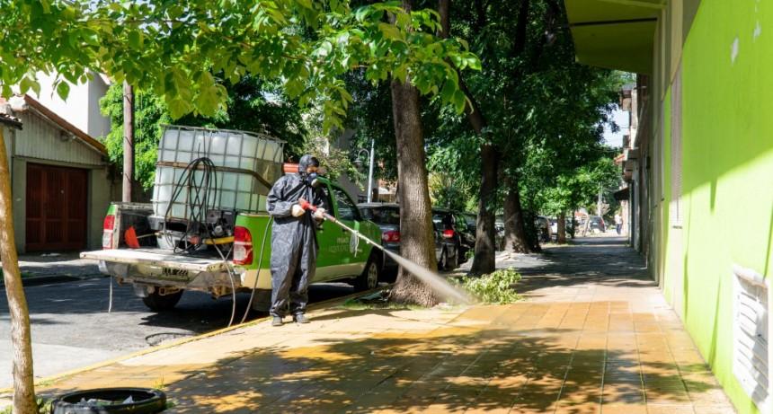 Vicente López: Continúan los operativos de desinfección en barrios y vía pública